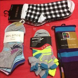 NWT 12 pair of socks